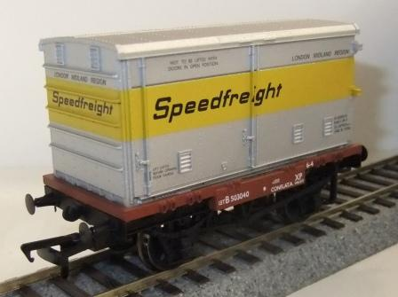 37-991 BR Conflat with Speedfreight container