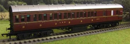 R4677 LMS Non-Corridor Brake 3rd Crimson Lake