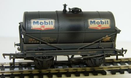 37-675U 3 pack 14 Ton Tank Mobil weathered